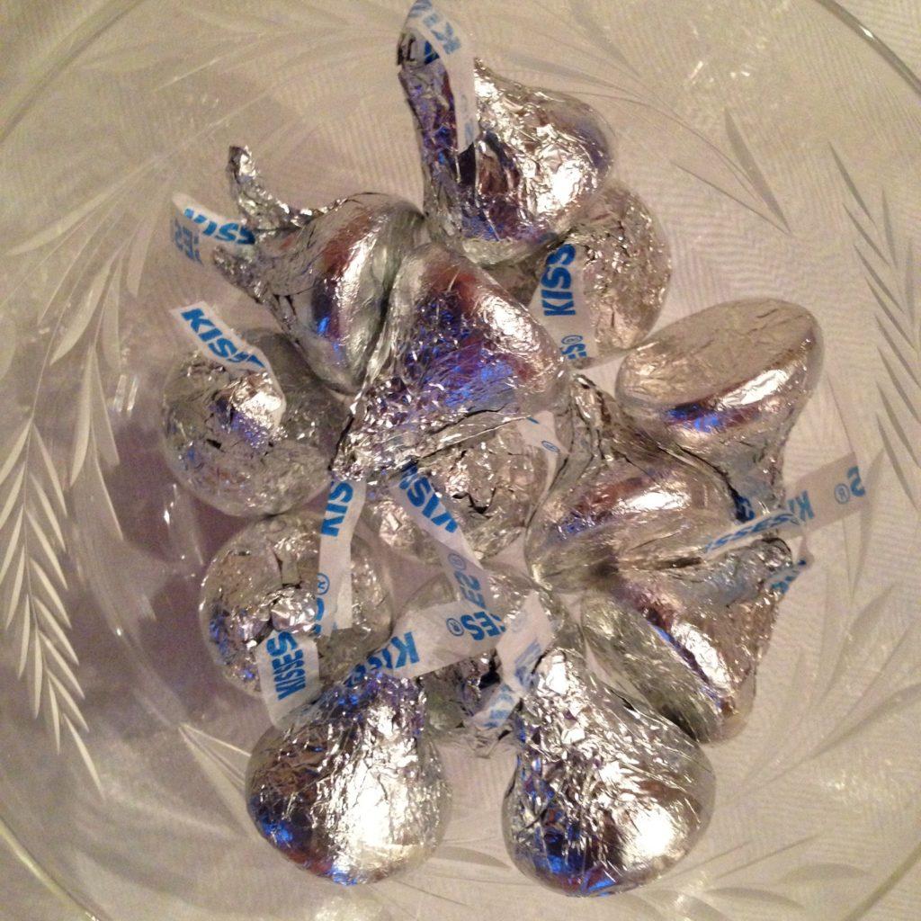 bowl of Hershey kisses