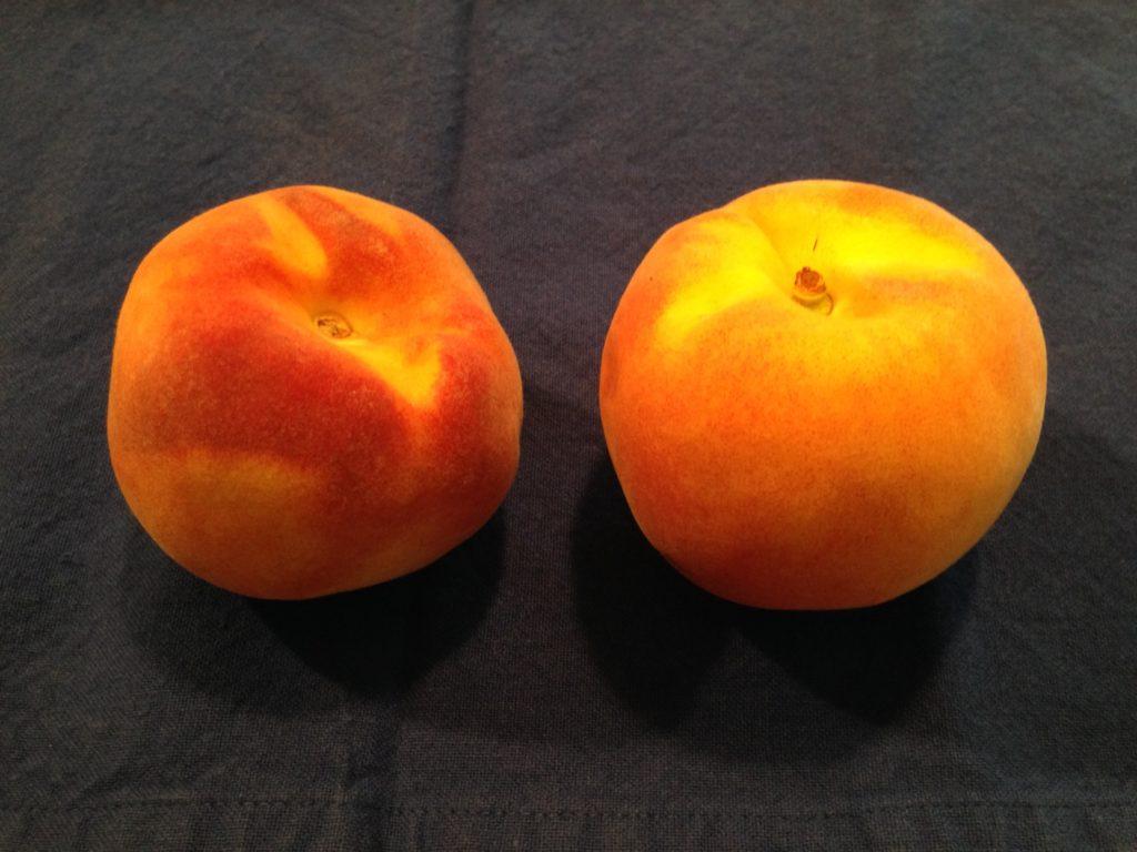 2 peaches